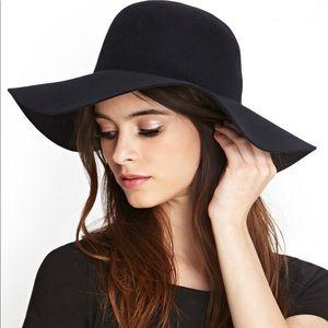 Loft -  Wool Floppy Hat